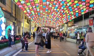 ベトナムの新しい観光地のランソン県ウォーキングストリート