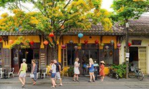 ベトナムのホイアンは観光名所を再開します