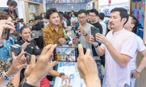 ベトナムでは iPhone12 の列が深夜に発生