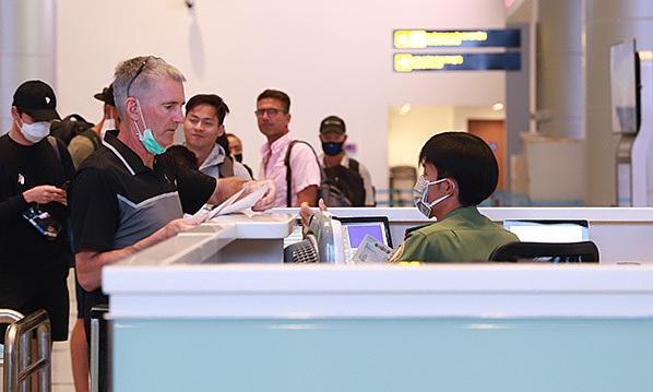 ベトナム ワクチン接種を受けた外国人の到着者も、引き続き14日間の検疫が必要