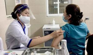 ベトナム アストラゼネカCovid-19ワクチンによる重篤なアナフィラキシーの最初の症例を報告