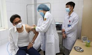 副首相は、ベトナムのCovidワクチンの2回目の接種後に「わずかな」副作用があります