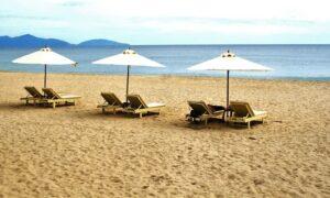 Covid-19感染が急増するにつれて、観光地はビーチを閉鎖します