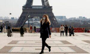 フランスは観光客受け入れ再開、ワクチン接種を受けたベトナム人は検疫を免除される