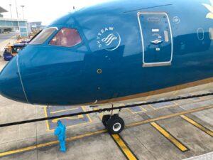 ベトナム航空のスタッフで現在も従事しているスタッフは10%のみです